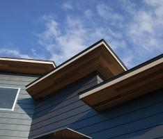 段々屋根の家