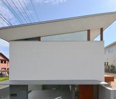 hat 軽やかな屋根の家